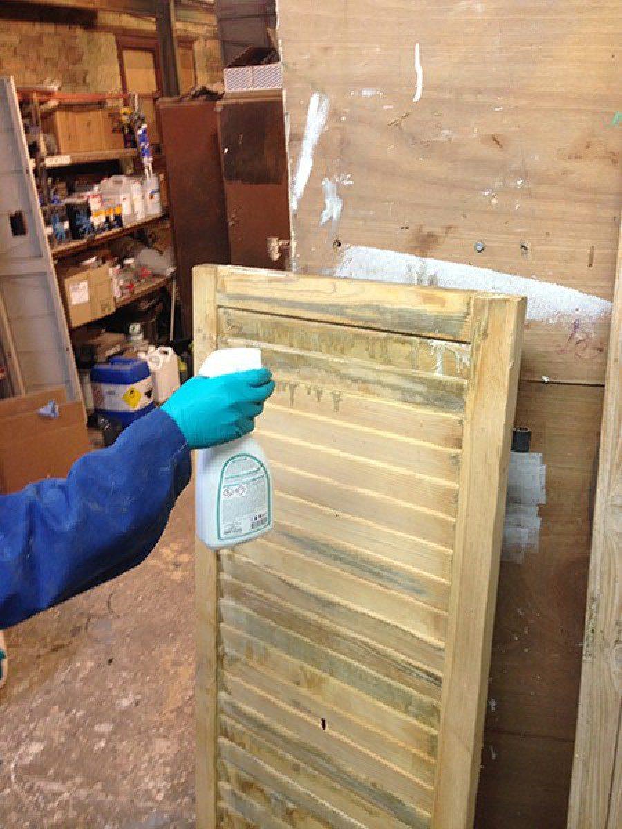 Renovation Volets Bois Paris expert décapage volet dans le 91 - ile de france décapage